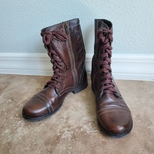 Steve Madden lace up brown leather boots 6.5